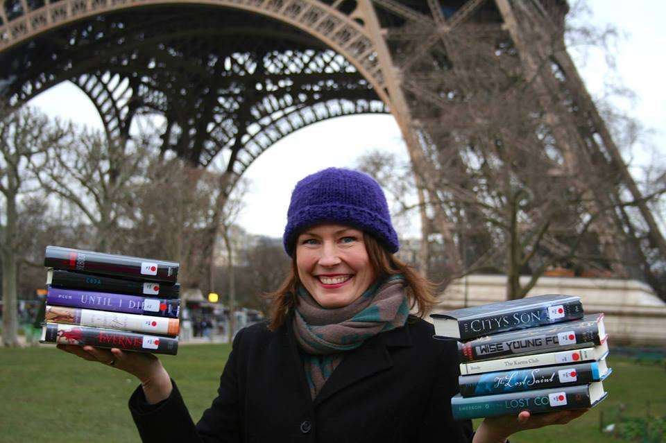 The American Library in Paris is hosting the first ever Teen Author Smash where you'll get a chance to meet young adult authors, ask lots of questions, and get books signed.http://www.americanlibraryinparis.org/events-programs/library-events/teen-events/eventdetail/1367/-/teen-author-smash.html Saturday, April 25from 7:30-9:00pm