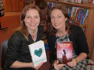 Photo of Young Adult authors Amy Plum and Claire Merle during their talk at WH Smith bookstore (248 Rue de Rivoli, 75001 Paris).